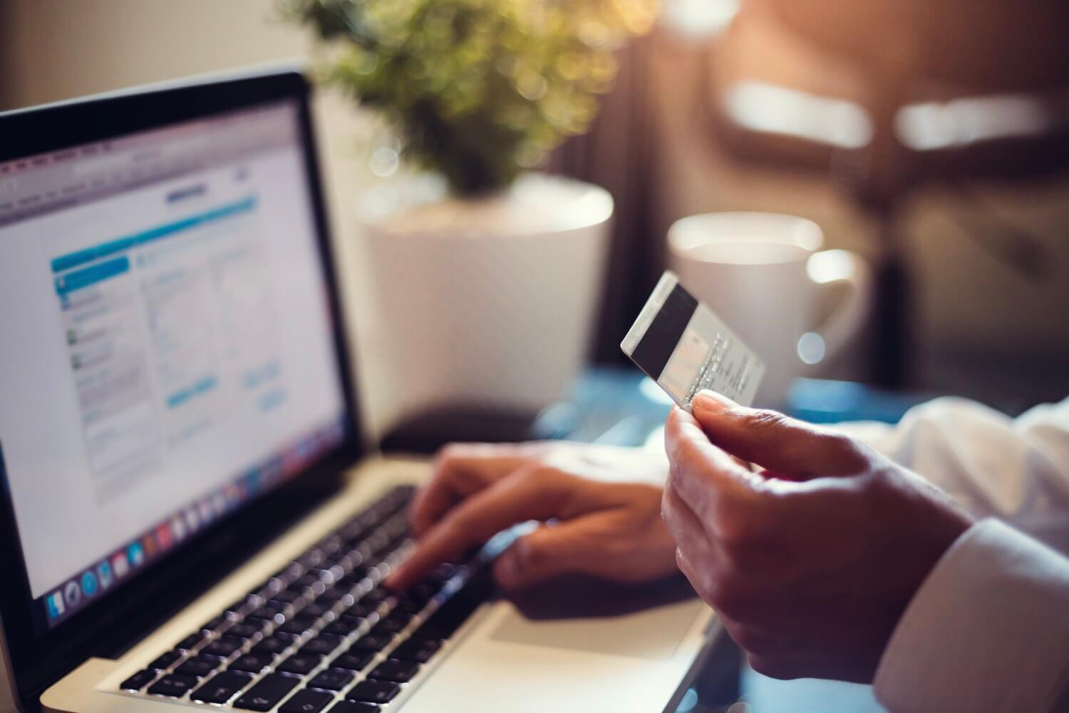 how-do-secured-credit-cards-work-build-credit